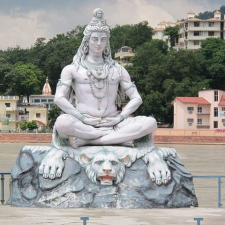 India Tours - Yoga - Rishikesh - Statue
