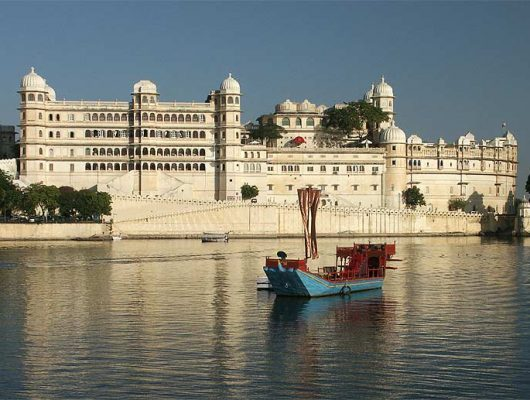 Fort by River in Udaipur on an India Tour