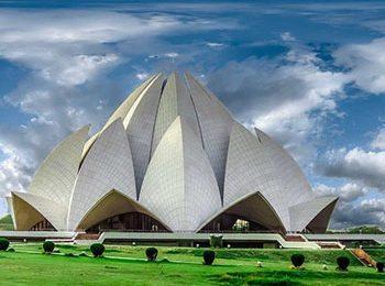 Delhi - Lotus Temple - Part of Golden Triangle