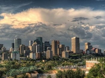 Edmonton How to Find Cheap Flights to India - Skyline
