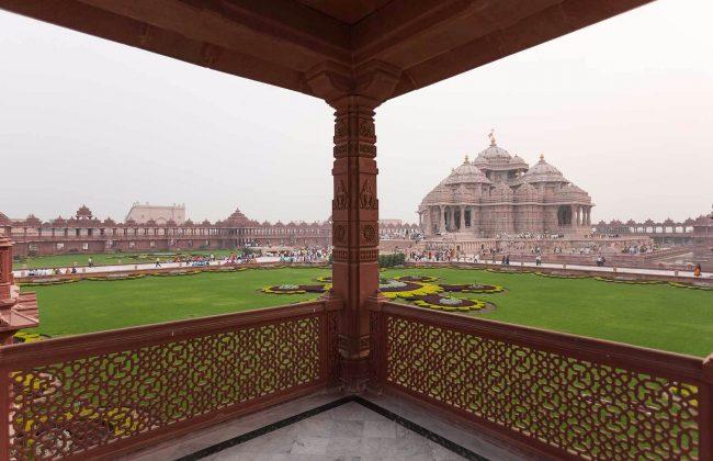 India Tour - New Delhi - Akshardham Monument With Sarovar 2